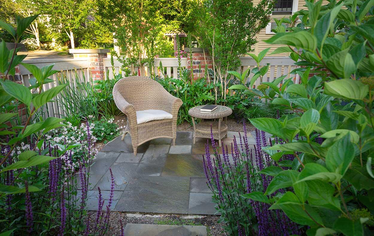 https://www.cambiumlandscape.com/wp-content/uploads/m-exp-1-r1-whit-dimensional-bluestone-patio.jpg